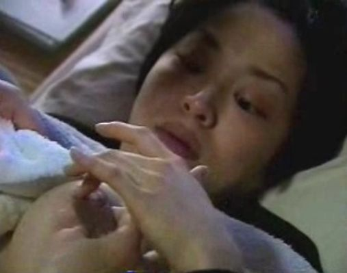 昔のN〇K番組。おっぱいを揉み解しながら自分で母乳の味を確認する!