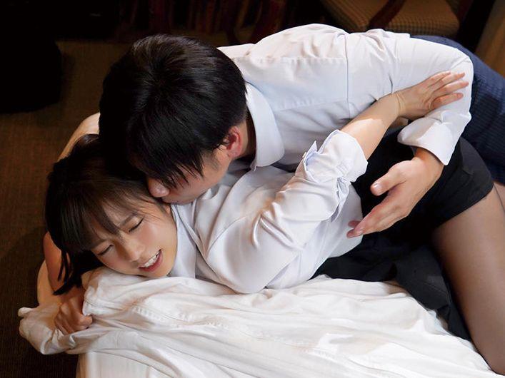 宿泊先のホテルで媚薬を飲まされ、最低な元カレとの悪夢が蘇る。戸田真琴