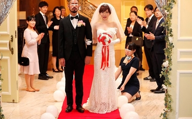 【VR】痴女光線~史上最悪の結婚式~【里美ゆりあ】#1