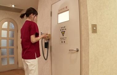 【カムカムぴゅっ!】歯科衛生士の深田えいみ