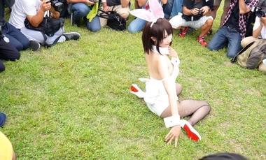 【コミケ】カメコに囲まれてセクシーポーズを決めるバニーガールの小柔SeeU(シーウ)【冴えない彼女の育てかた 加藤恵】#4