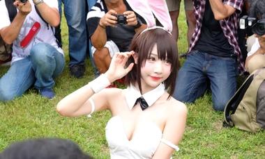 【コミケ】カメコに囲まれてセクシーポーズを決めるバニーガールの小柔SeeU(シーウ)【冴えない彼女の育てかた 加藤恵】#7