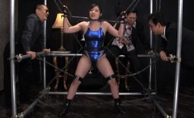【女子プロレスラー】鉄枷拘束されるピタコスの美波沙耶【女格闘家】