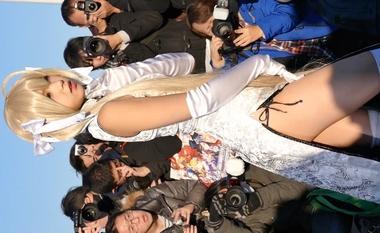 【コミケ】撮影会でセクシーポーズを決めるヨスガノソラの春日野穹コスプレをしたえなこ#2