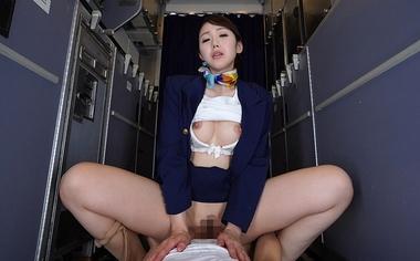 【VR】着衣のまま騎乗位でハメるCA(スチュワーデス)コスプレをした桜樹玲奈