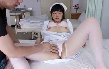 【カムカムぴゅっ!】手マン責めされるナース(看護婦)コスプレの綾瀬ましろ#1