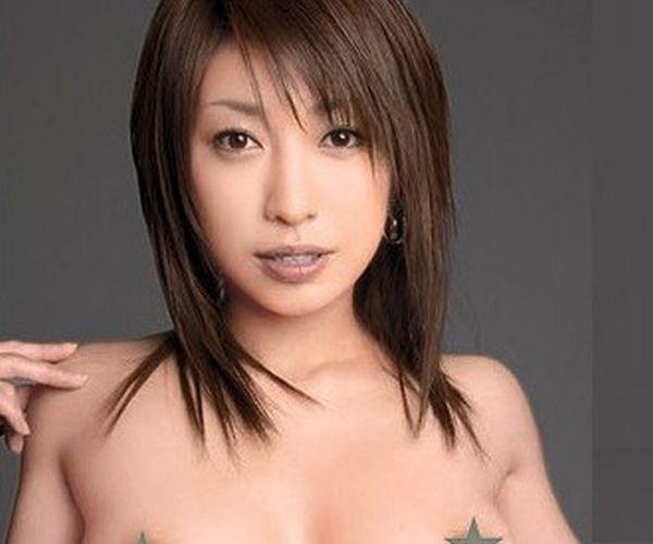 【無修正流出】MUTEKI からデビューしたあの美女の動画が流出!元芸能人のマンコがくっきり丸見えに!