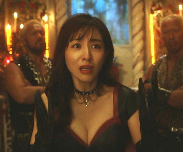 田中みな実アナが「ルパンの娘」におっぱい要員で登場