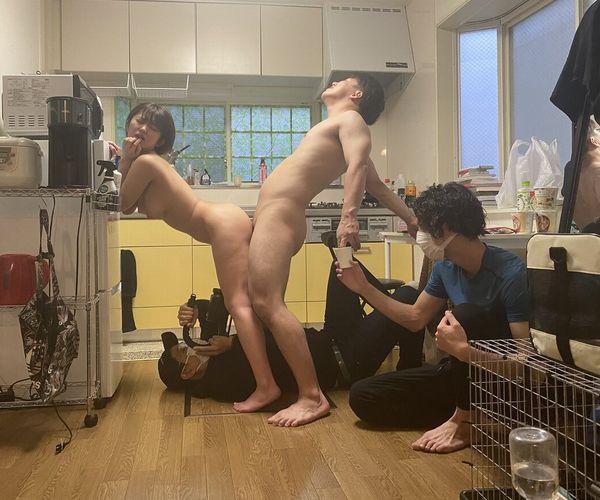 【画像】中高生「AV男優なりたい!」 ワイ「それではこちらをご覧ください」