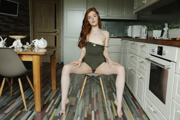 Jia Lissa(ジア・リサ)ロシアのちっぱい美女ヌード画像37枚のb17枚目