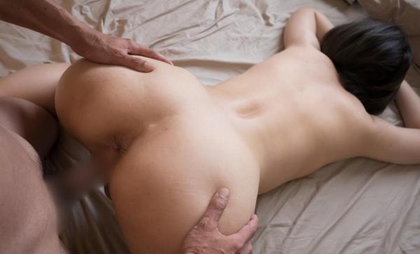 熟女のエロ画像 バックからガン突きされてる綺麗め奥さん60枚の12枚目