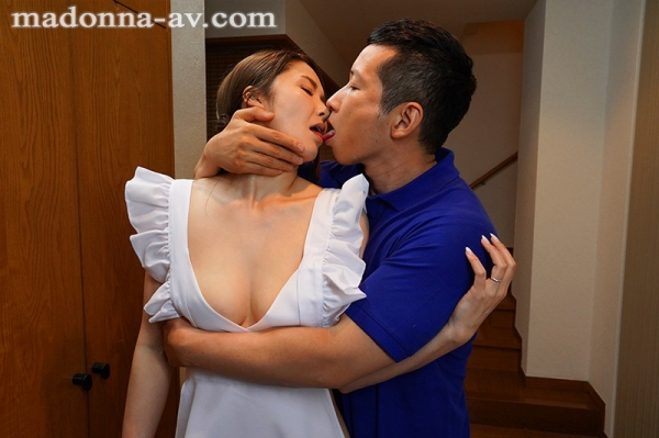 美熟女キス画像 舌を絡め合って唾液交換してる50枚のa50枚目