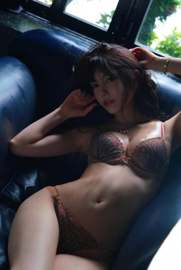 楓カレン ヨダレ・ツバだくだく興奮MAXキスプレイ 画像34枚のa04枚目