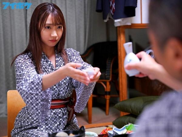 加美杏奈さん、絶倫おやじに膣奥をガンガン突かれて何度もイッてしまう。画像70枚のb03枚目
