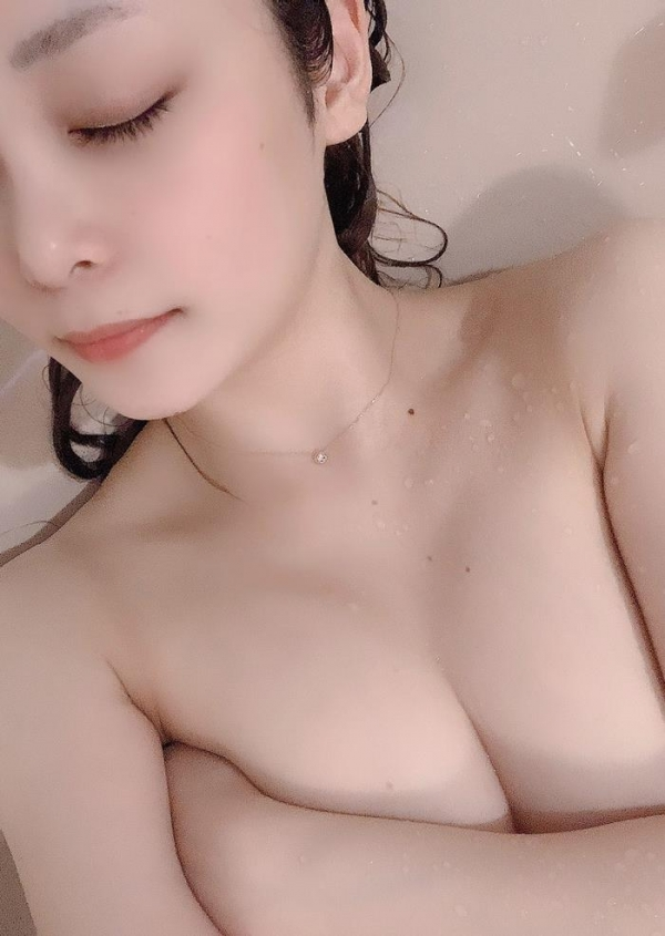 希代あみ(きたいあみ)本気汁ダダ漏れなスレンダー巨乳美女画像40枚のa18枚目