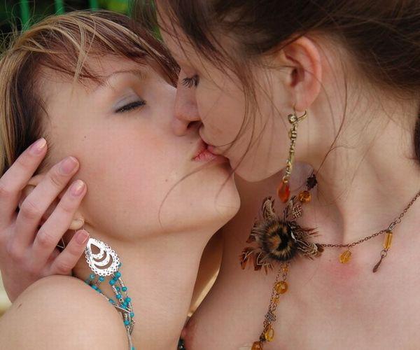 19歳 妖美なウクライナのヌードモデル