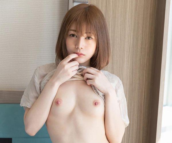 佐野ゆいな(790Yuina)白肌ピンク乳首のパイパン美少女画像58枚の1