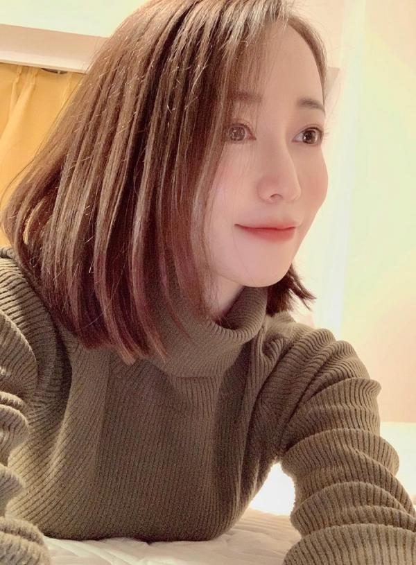 篠田ゆうさん「スナックゆう」のママになってしまう。画像41枚のa16枚目