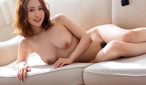 篠田ゆうさん「スナックゆう」のママになってしまう。画像41枚のb08枚目