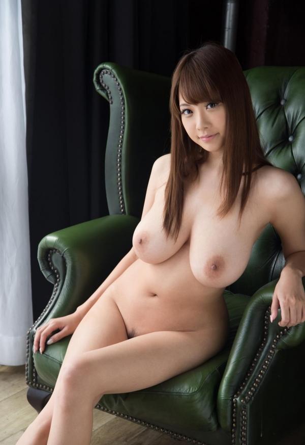 たわわな巨乳や爆乳のAV女優9人のヌード画像80枚の45枚目