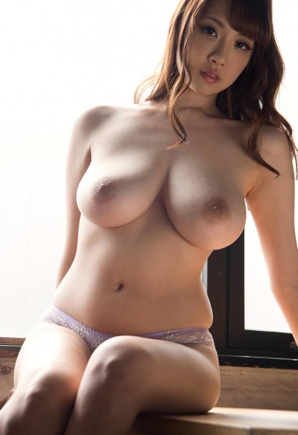 たわわな巨乳や爆乳のAV女優9人のヌード画像80枚の48枚目