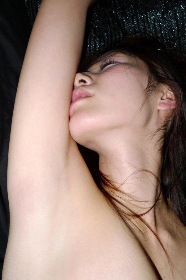 腋の下画像 腋毛処理済みツルツル腋とジョリジョリ腋31枚の2