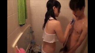 【風俗】巨乳の人妻の、アナル舐め中出し膣内射精無料H動画。【マッサージ動画】