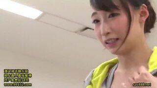 【エロ動画】スレンダーでHな巨尻の美女、蓮実クレア(安達亜美)の痴漢レイプ顔射プレイがエロい。実にグラマラス!