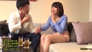 巨乳の奥様人妻の、口内射精フェラ抜きベロチュー無料動画。【奥様、人妻、素人動画】