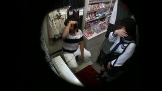 制服姿のJC美少女の、フェラ騎乗位無料エロ動画!【JC、美少女動画】
