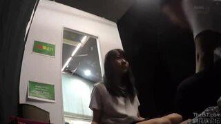 ロリの美少女女子校生の、フェラ手コキ無料エロ動画!【美少女、女子校生、女の子、JK動画】
