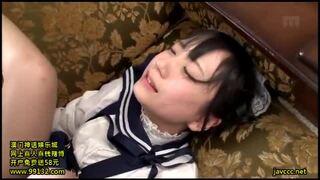スケベなロリで貧乳のメイド女の子の、コスプレベロチュー即ハメ無料H動画。【顔射動画】