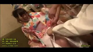 【エロ動画】巨乳の美少女素人の、寝取られバイブ潮吹きプレイがエロい。いい乳してます!