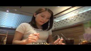 【素人】美乳の素人の、手コキフェラ手マンプレイエロ動画。【エロ動画】