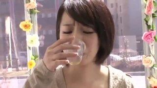 【エロ動画】アヘ顔スレンダーな人妻素人の、寝取られマッサージ媚薬プレイが、マジックミラー号で!!
