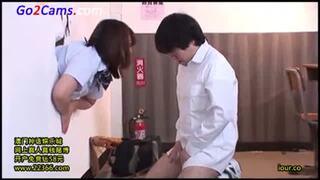 巨乳の女子校生JK、尾上若葉のイラマチオフェラ淫語無料エロ動画!【レイプ動画】
