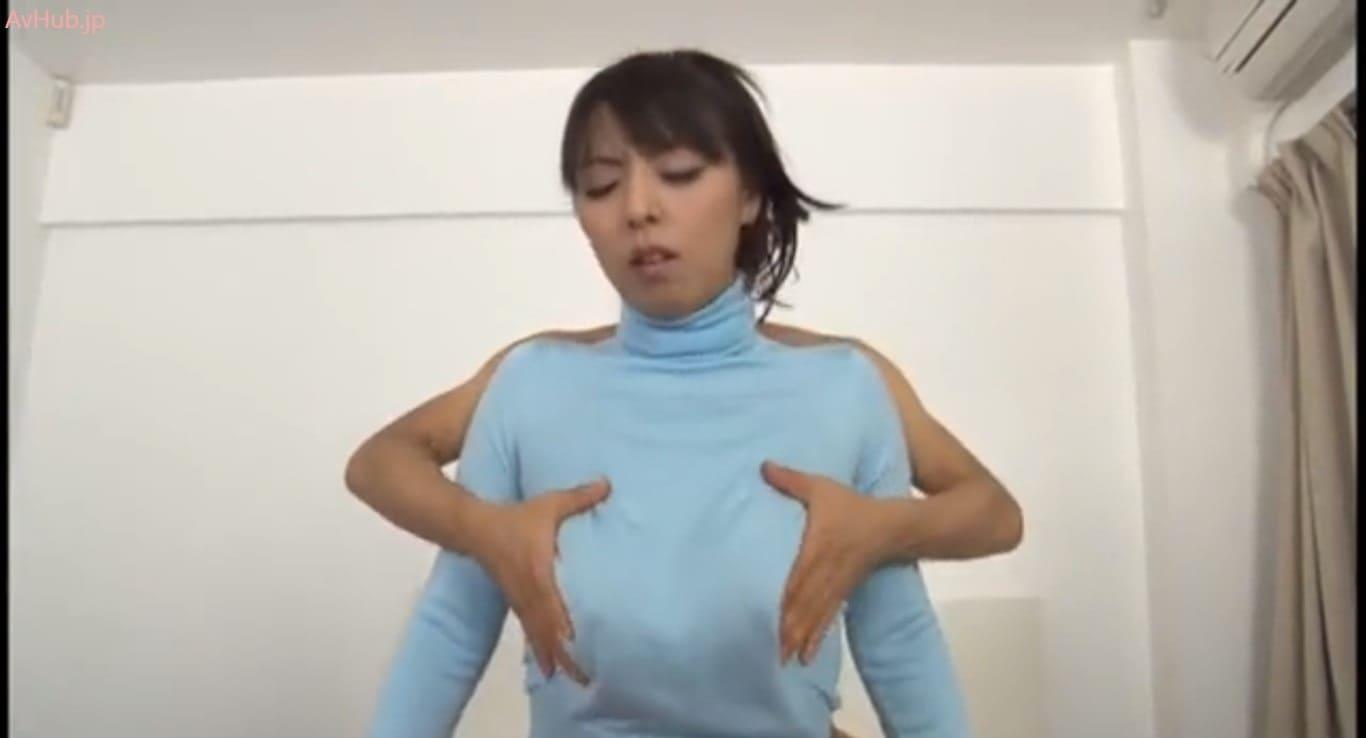 村上涼子のノーブラタートルネック着衣パイズリ
