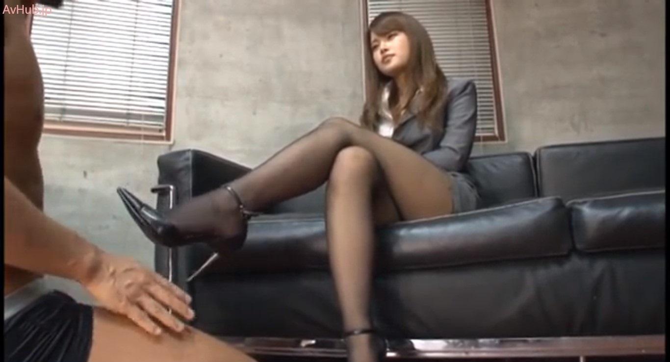セックステクニックで採用を決める美脚痴女面接官