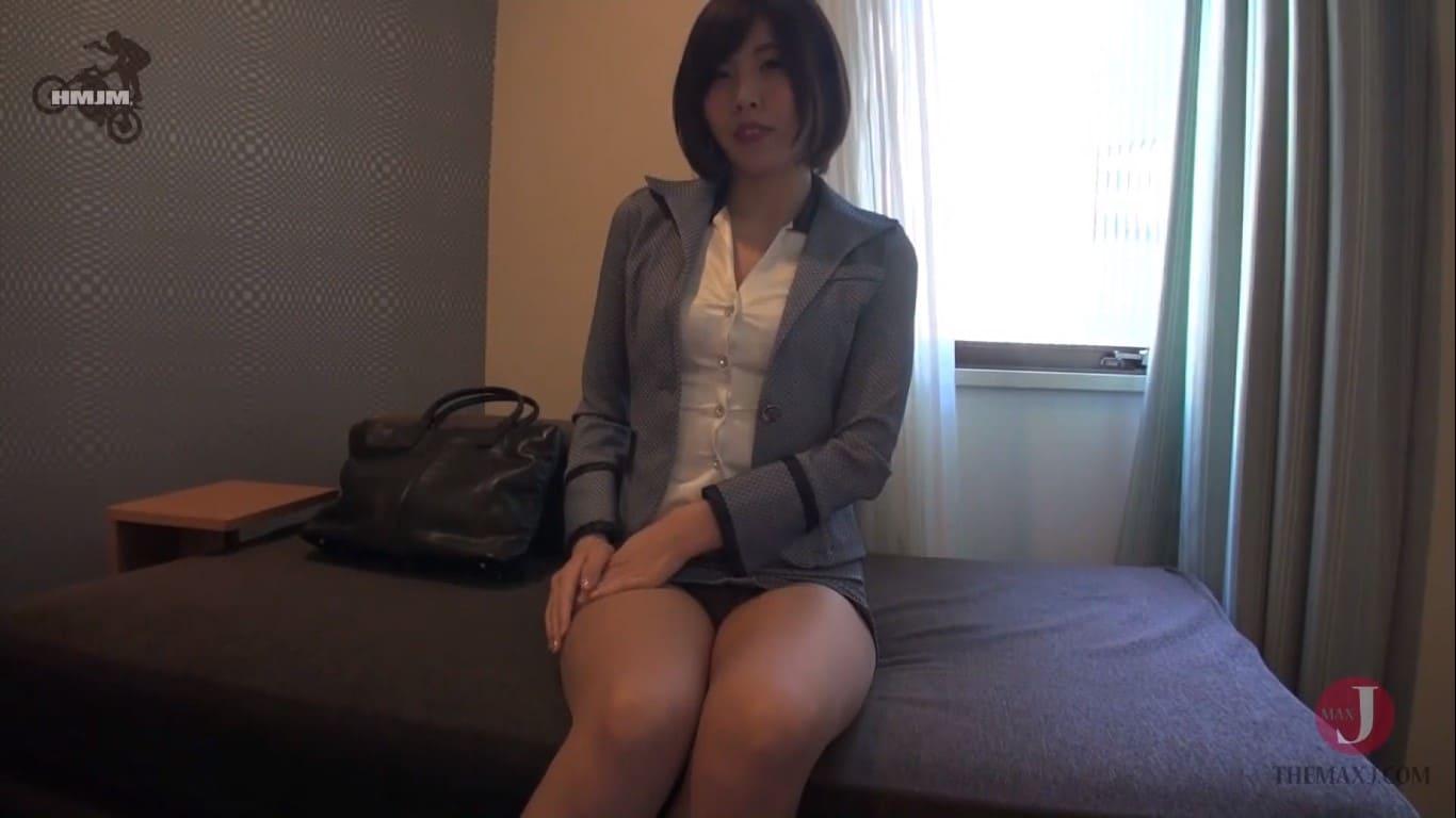 唯川みさきをホテルに連れ込んでタイトミニスカ美尻を撮影