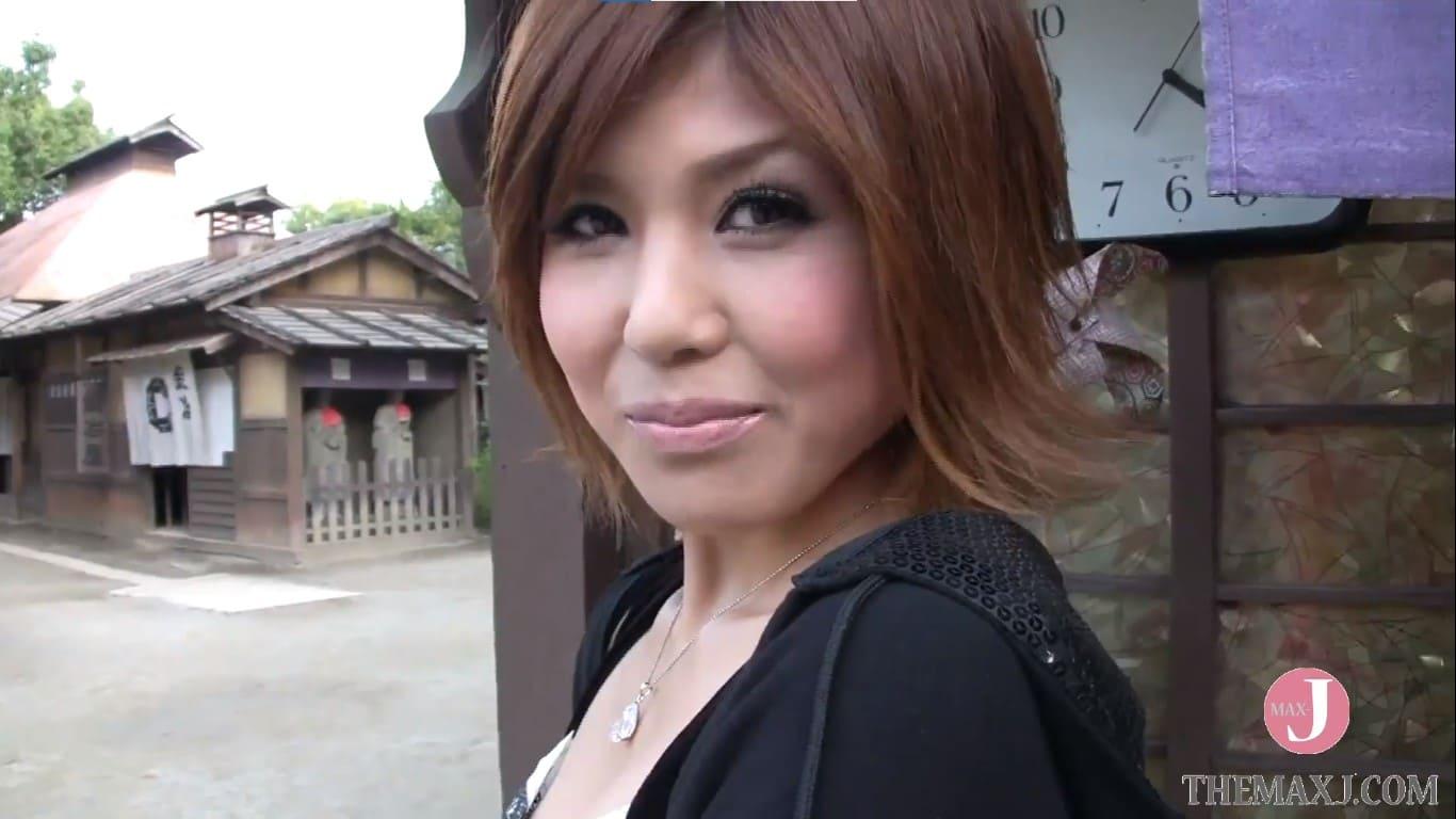 雫パインが京都の映画村で初めての逆ナンパに挑戦