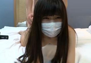 【無修正】サラサラ長髪美少女がビショ濡れマンコ突き上げられ可愛く喘ぐ