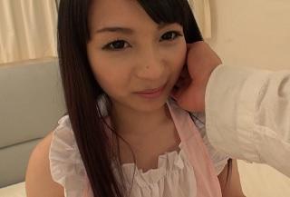【無修正】お嬢様系な清楚系美少女が準備されたカードで引いてプレイに即トライ!