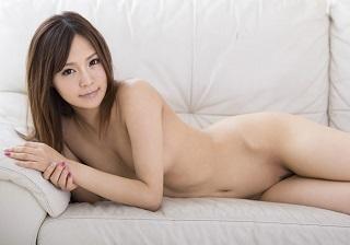 【無修正】生チンポでガンガンに突かれて柔尻プルプル揺らす美少女のおえんだりSEX