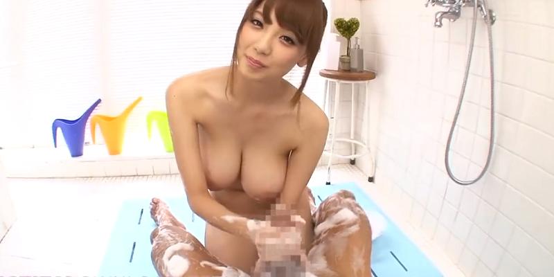 スリムな爆乳ギャルとお風呂でイチャイチャしてあわあわ手コキ1-01