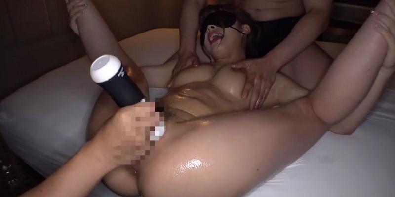 性欲の強すぎるモリマン巨乳ギャルビッチが男性2人とセックス三昧!1-01