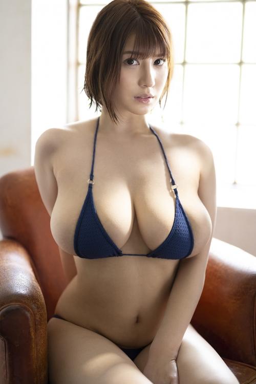 安齋ららの後継者?「She is NO.1 Style」Jカップ 105cm 有栖花あか(あすか あか) AVデビュー
