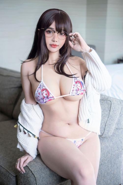 HanaBunny - Megane Girlfriend 01