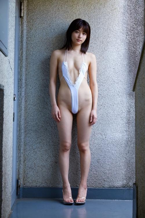 【どう見ても痴女】露出凄いデザインの変態水着 28