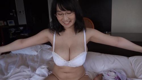 二人っきりの南国生活 桐山瑠衣 70