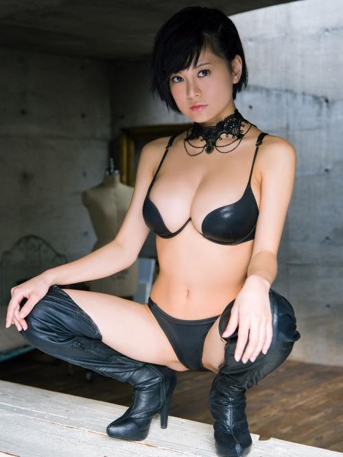 M字開脚 エロ画像 09